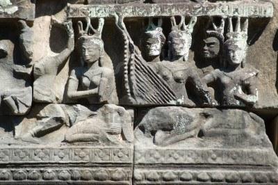 jemeres-Malasia de-bajorrelieves-de-apsara-diosas-tocando-instrumentos-musicales-banteay-