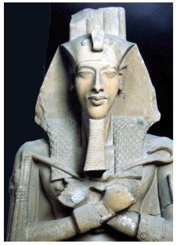 004 Akhenaton