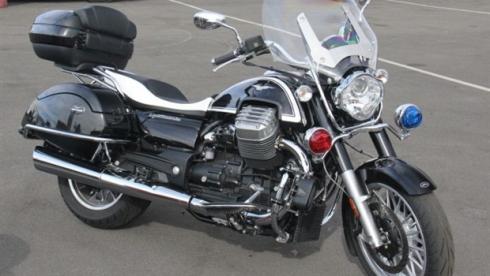 policia Moto-Guzzi-1400-policía-california