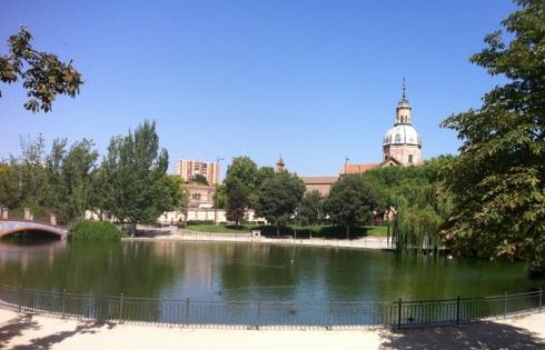 011 lago y basilica