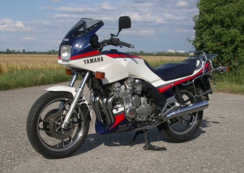 037 Yamaha-XJ-900-F-05